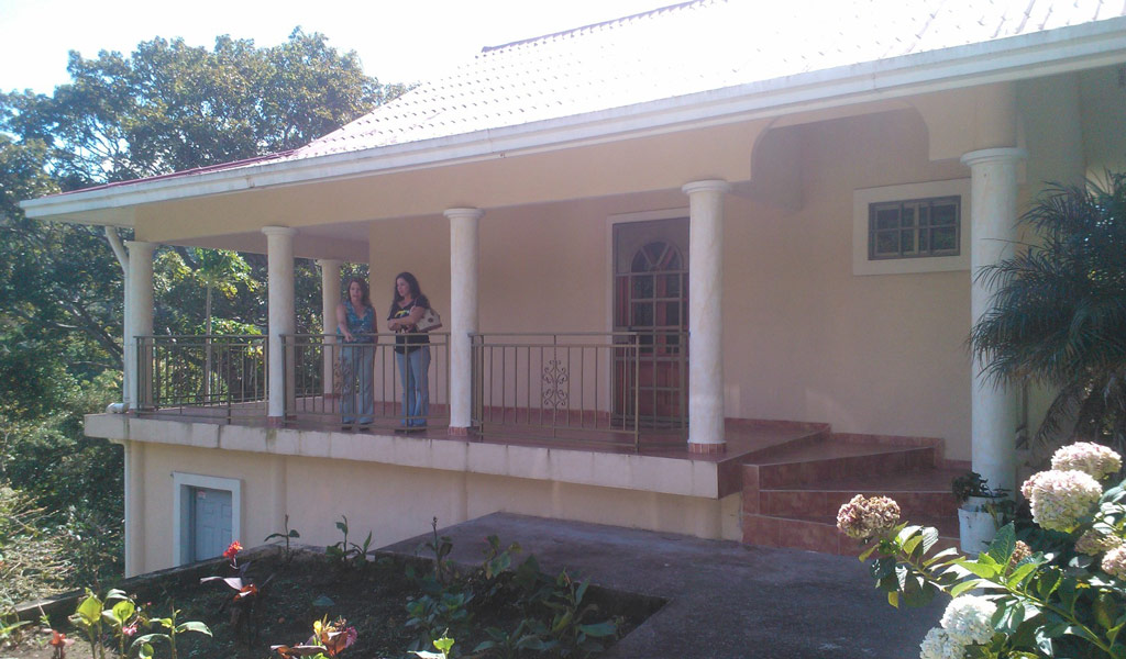Home for rent close to Boquete Panama $650 per month